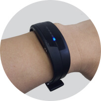 Detecting your heart rate with PULSENSE.